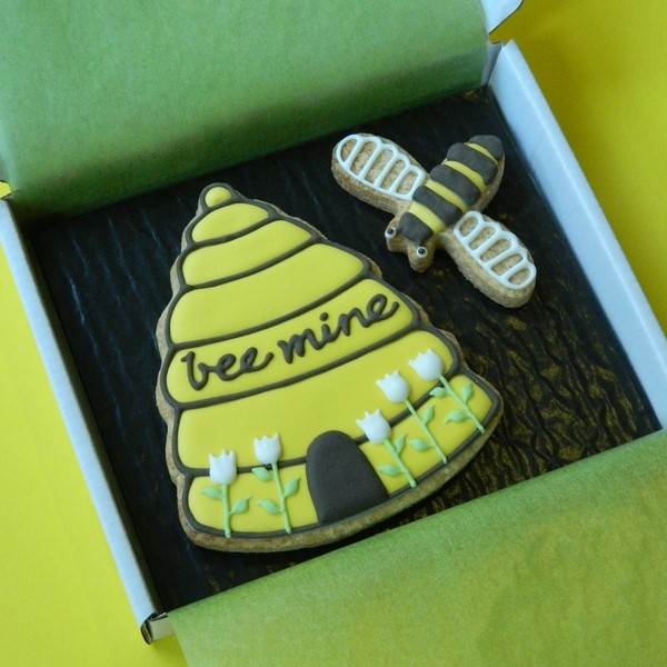 Bee Mine Cookie Card