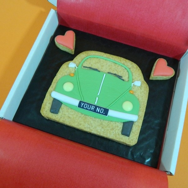 Classic Beetle with Hearts Cookie Card